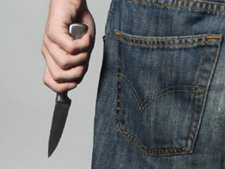 Chống cự với kẻ cướp nguy hiểm có thể dẫn đến tình huống xấu.
