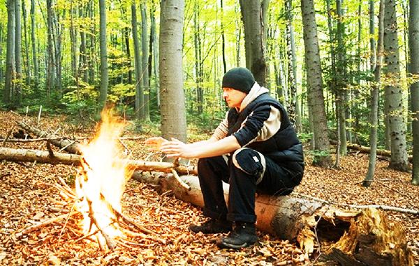Hãy chuẩn bị sẵn 1 vài cách nhóm lửa phòng khi bị lạc.