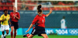 Mia Hamm – Chân sút vĩ đại của bóng đá Mỹ