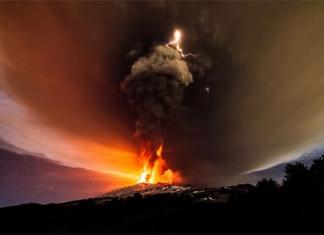 Miệng núi lửa Voragine tại Etna