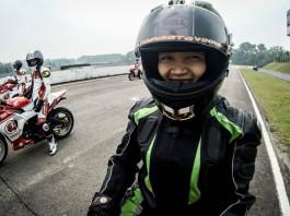 SuSan Trần là lá cờ đầu của làng đua xe mô tô nữ Việt Nam