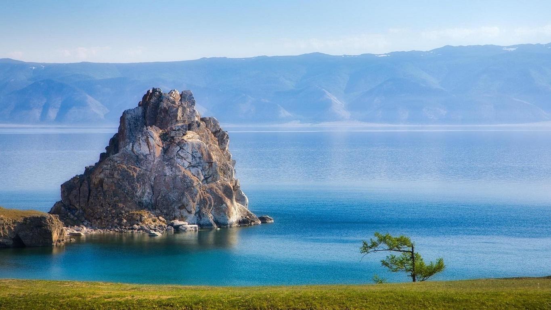 Sự kỳ vĩ của khu hồ biến nơi đây trở thành một nguồn di sản thiên nhiên quý giá.