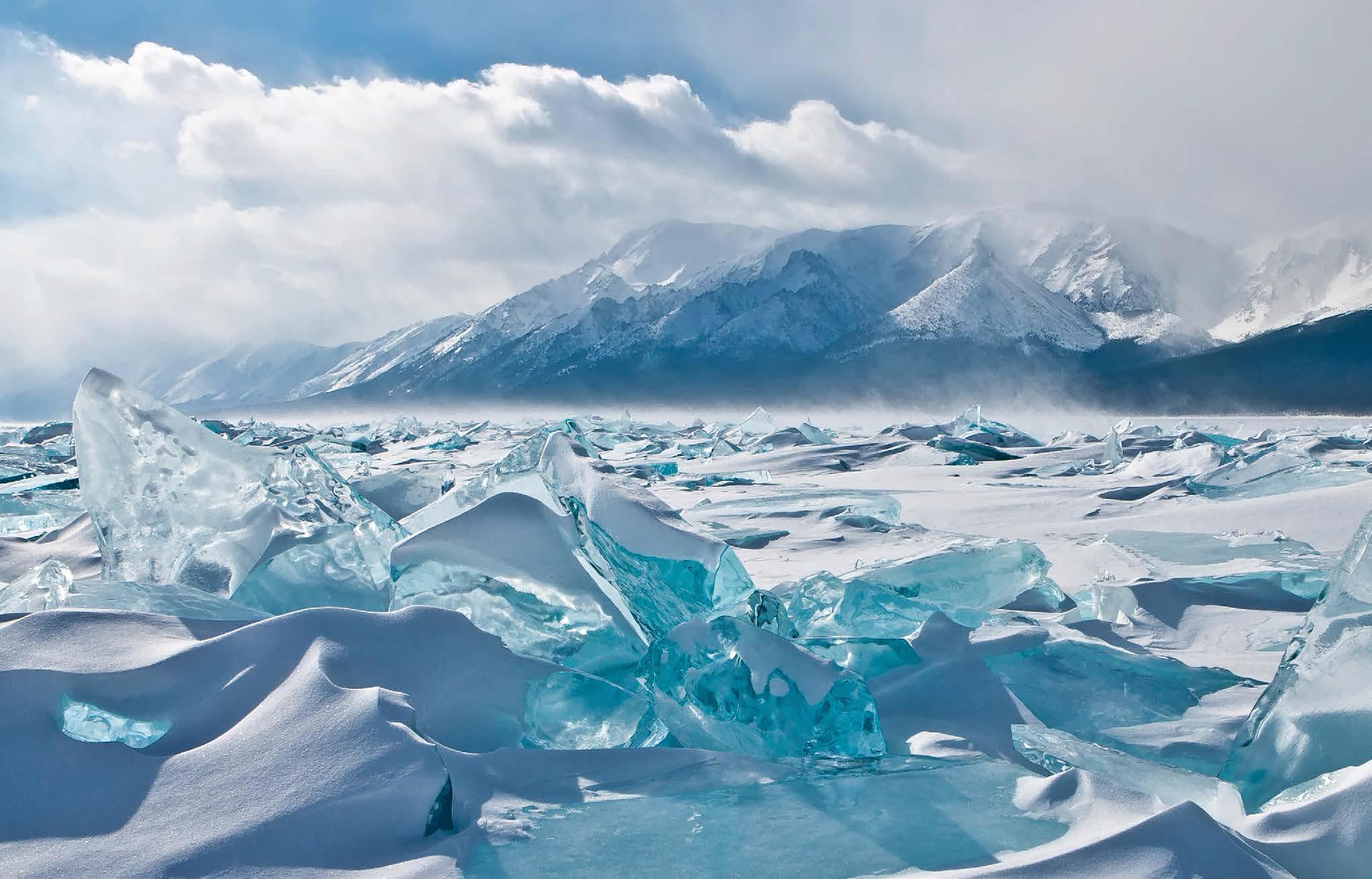 Nhiều giả thiết cho rằng hồ Baikal có liên quan đến những hiện tượng của UFO.