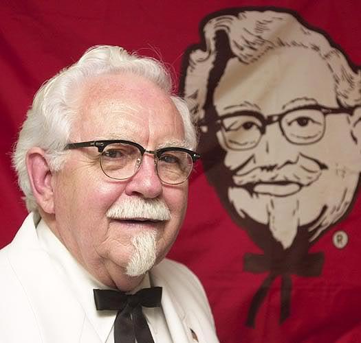 Colonel Harland Sanders sáng lập thương hiệu KFC khi đã 60 tuổi