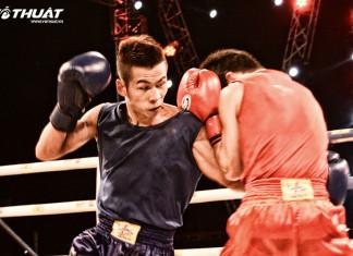 Trận chung kết gay cấn giữa hai võ sỹ Nguyễn Văn Dễ (Quân Đội) và Ngô Việt Nhật (Quảng Ngãi)