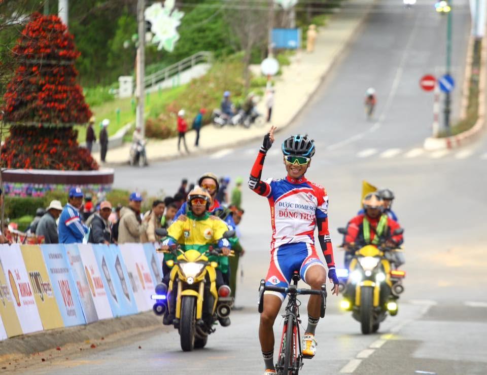 Lê Ngọc Sơn vừa giành danh hiệu Vua leo núi ở giải xe đạp Nam Kỳ khởi nghĩa 2015