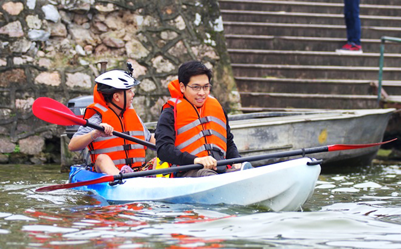 Chèo Kayak trên Hồ Tây, Hà Nội