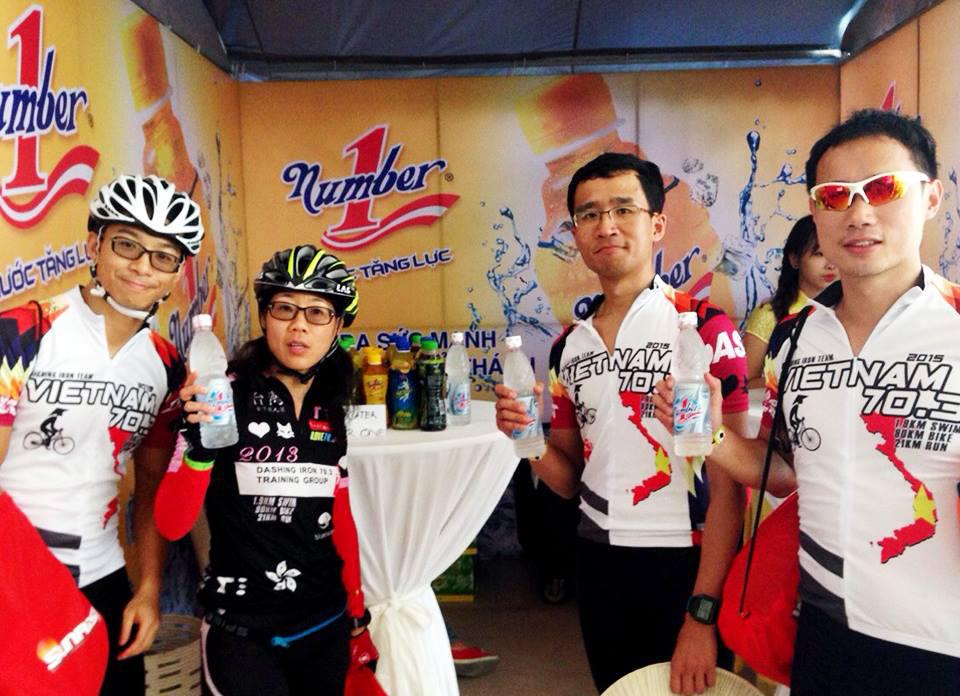 Nước tăng lực Number 1 tiếp tục là nhà tài trợ cho cuộc đua IronMan 70.3 Việt Nam năm 2016 tại Đà Nẵng