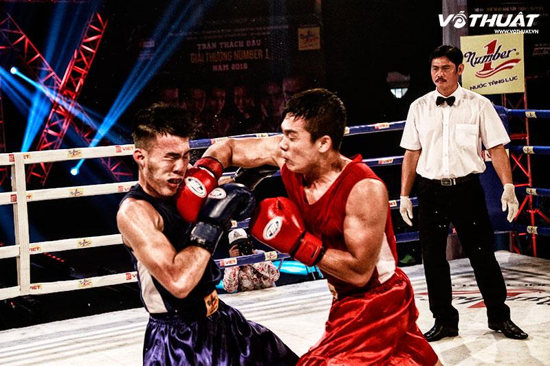 Đại chiến hot boy Trịnh Thế Long (đỏ) và Trần Hữu Thiên