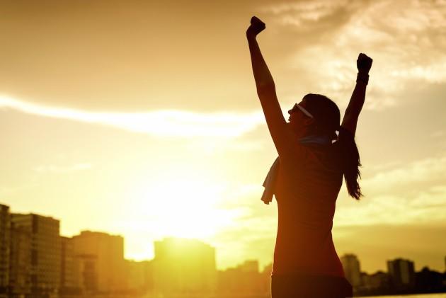 Một lợi ích của việc tập thể dục buổi sáng là giúp cho cơ thể hình thành thói quen tốt