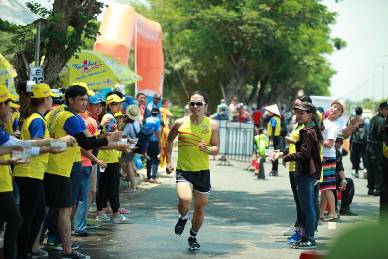 Nước Tăng Lực Number One - Tiếp sức IronMan 70.3 VN 2017