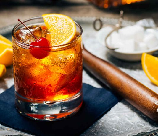 Cocktail Old Fashioned - Các loại Cocktail phổ biến trong Bar