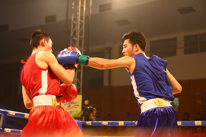 Khan gia hao hung voi tran chung ket boxing tai Ha Noi hinh anh 6