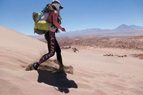 Thanh Vũ đã tham gia hành trình lên tới 1.000 km qua 4 sa mạc khắc nghiệt nhất thế giới.