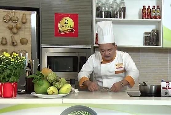 """Đầu bếp Võ Quốc hướng dẫn cách làm """"Bánh Bó Mứt"""" miền Trung"""