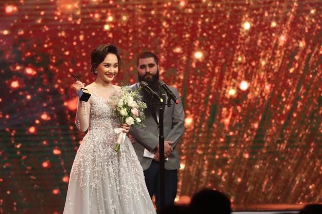 """VTV Awards 2017: """"Người phán xử"""" thắng lớn, Xuân Bắc hạ gục Trấn Thành, Trường Giang"""