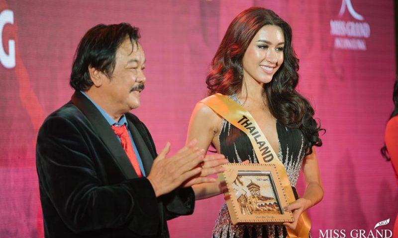 """Doanh nhân Trần Quí Thanh phát biểu xúc động về """"chiến tranh và hòa bình"""" tại Miss Grand International"""