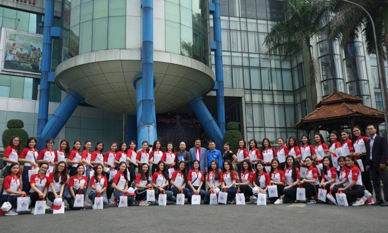 Hoa khôi sinh viên Việt Nam 2017 tham quan nhà máy Tân Hiệp Phát