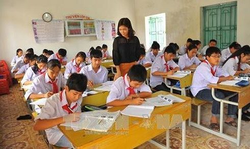 Lương giáo viên thấp, đừng nói đến giáo dục chất lượng cao