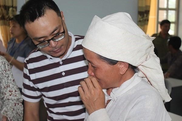 Sẻ chia tình người giữa tâm lũ Lai Châu