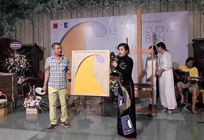 Bức tranh Mẹ của Lê Thiết Cương lấy cảm hứng từ 'Chuyện nhà Dr Thanh' được bán với giá 70 triệu