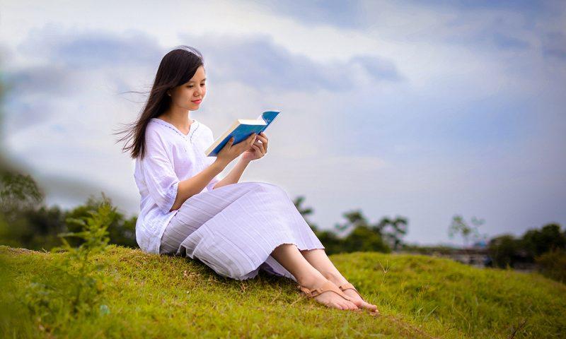 Đọc sách không phải cho sang, mà là đầu tư cho chính mình bằng chi phí rẻ nhất