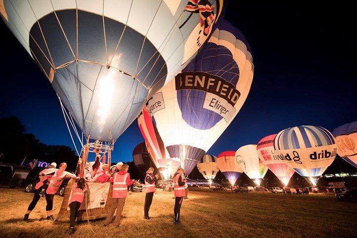 Choáng ngợp trước lễ hội khinh khí cầu lớn nhất châu Âu