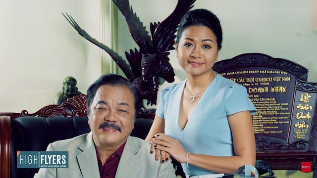 """Con gái Dr.Thanh: """"Câu chuyện truyền cảm hứng nhất của cha tôi là bán xe máy mua xe đạp!"""""""