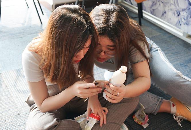Giới trẻ uống Trà Sữa Macchiato săn thưởng chục triệu