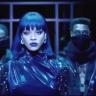 Tiếng hátRihanna – Love On The Brain