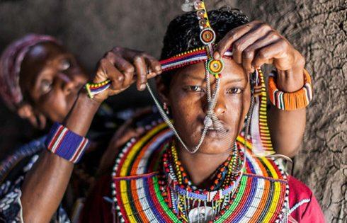 Cấm cười và loạt phong tục cưới hỏi độc dị khắp thế giới